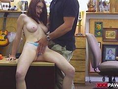 Грудастая училка Холли Прис  трахается в кабинете со студентом