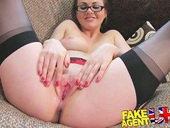 Rachel Roxx -  чувак жестко трахает на кровати
