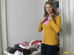 Британская домохозяйка одела любимые чулки и стала отрываться
